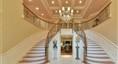 美丽的双层楼梯